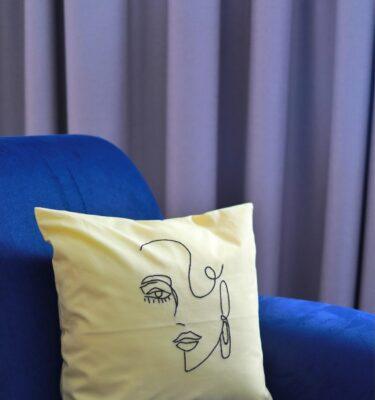 Vezena jastučnica Žena